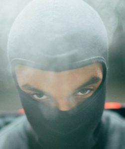 masked man scam artist